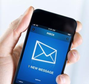 Der Artikel erklärt worauf es bei kostenlosen Email-Anbietern ankommt.