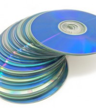 Ein Stapel mit Software-CD's